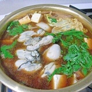 赤味噌で 牡蠣鍋