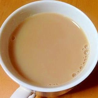 アーモンドミルクでロイヤルミルクティー