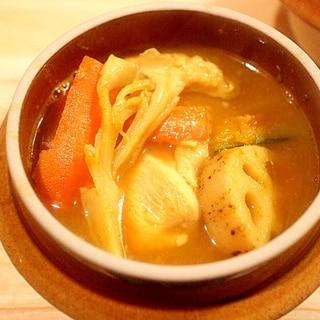 柔らか鶏むね肉の野菜たっぷりスープカレー