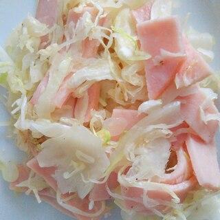 キャベツとハムの粉チーズ炒め