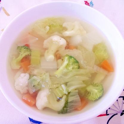 カリフラワーとブロッコリーとにんじんのスープ