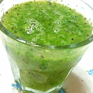小松菜とキウイのジュース
