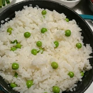 ストウブDe〜グリーンピースご飯