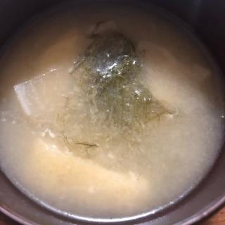 薄揚げ*大根*白菜*納豆昆布のお味噌汁