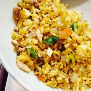 節約☆冷凍御飯で☆パラパラカレーピラフ