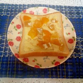 金柑ジャムのピザトースト