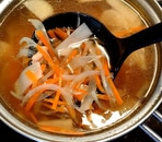 ツナと野菜のコンソメスープ