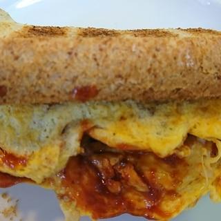 食パンでハンバーガー