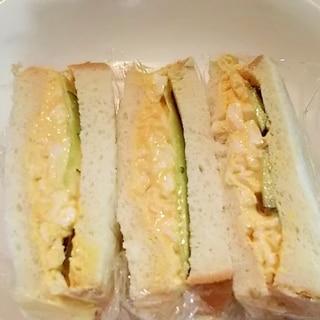 たっぷり卵ときゅうりのサンドイッチ