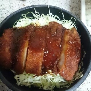 惣菜とんかつでソースカツ丼