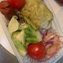 お弁当の彩りに!紫玉ねぎのサラダ