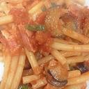 余りがちなマカロニで☆トマトパスタ