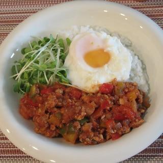トマトソースで簡単!ガパオライス風