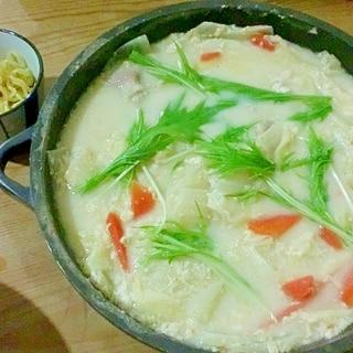 みそ味の豆乳チーズ鍋
