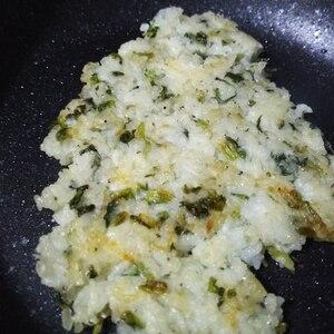 手づかみ食べに!ほうれん草とシラスとチーズのお焼き