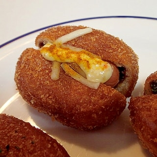 ウインナー&チーズ入りカレーパン