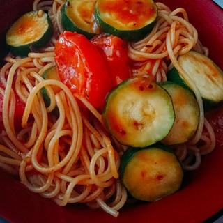 ズッキーニとトマトのもちもちケチャップパスタ