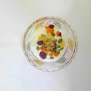 フルーツミックスヨーグルト 1