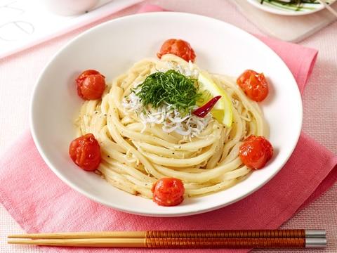 しらすとトマトのうどんペペロンチーノ