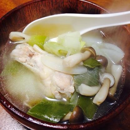 風邪撃退!簡単!鶏手羽とネギのスタミナスープ