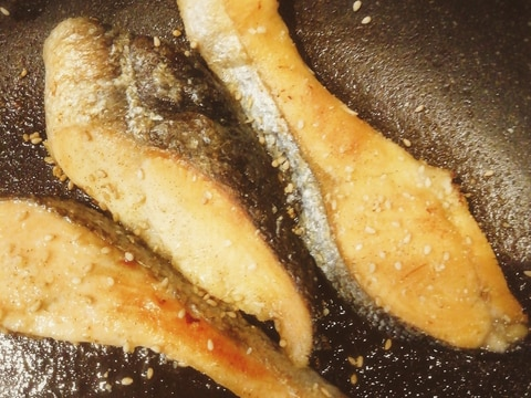 納豆のタレで♪鮭の照り焼き
