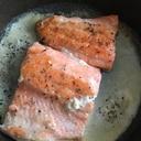 鮭のクリームソースかけ
