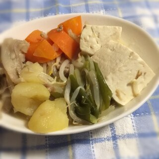 野菜たっぷり豚肉豆腐