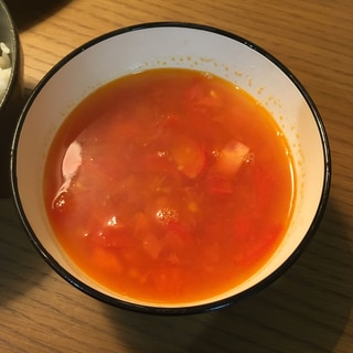 シンプルにトマトだけのコンソメスープ