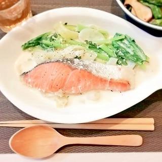 【フライパン】鮭と小松菜のクリーム煮【小麦粉なし】