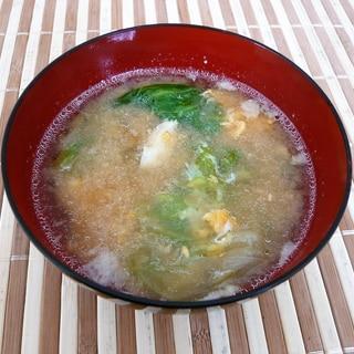 レタスと卵の味噌汁