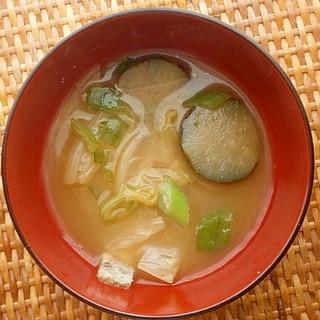 白菜・なすの味噌汁