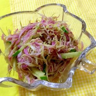 カキノモト(食用菊)ときゅうりの胡麻和え