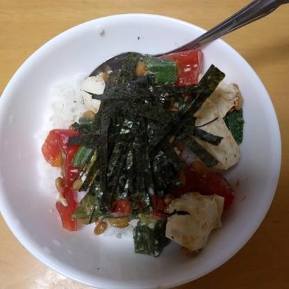 仕事の日に、こちらの簡単で、栄養価のあるネバネバ丼にしましたよ! 助かるーー♡