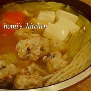 昆布かつおだしであっさりベースのよせ鍋