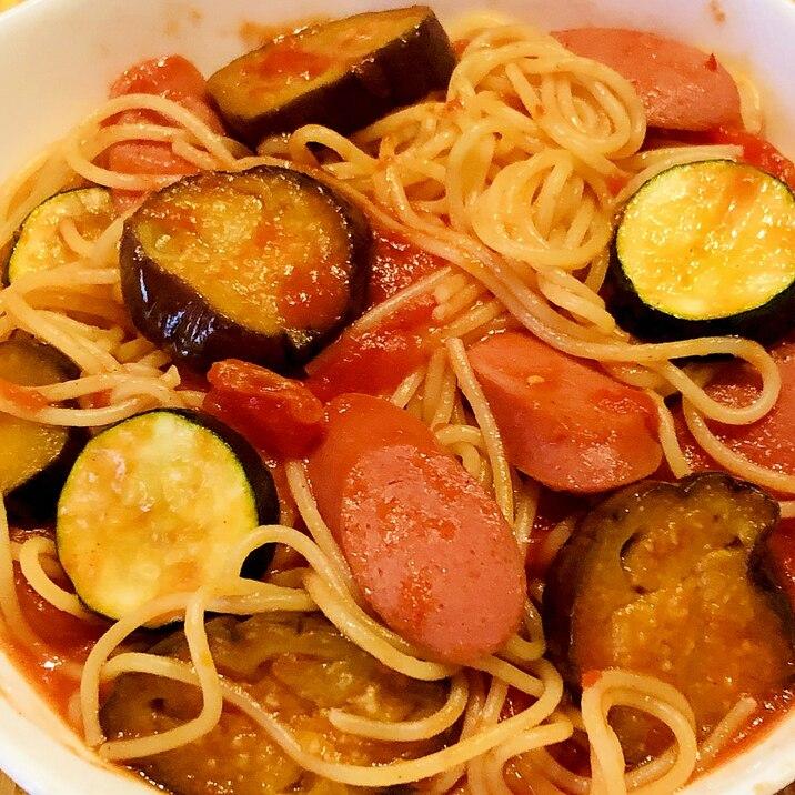 簡単ランチ*なすとズッキーニのトマトパスタ