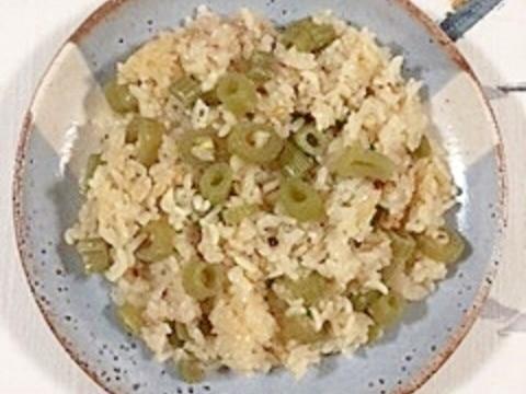 三十雑穀で作る、蕗の炊き込みご飯