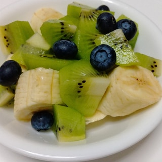 切るだけ簡単!フルーツ盛りの朝食♪