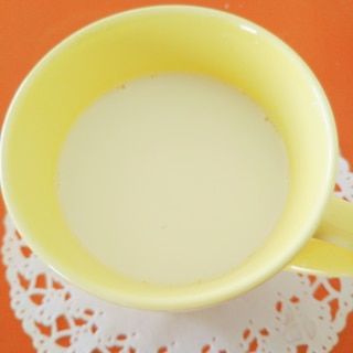 白花豆入り☆ホットスキムミルク