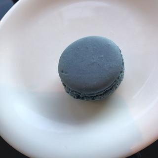 青いマカロン
