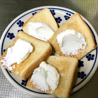 濃厚水切りヨーグルトのトースト
