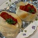 クリームチーズとモツァレラ、苺の豆乳ロールサンド