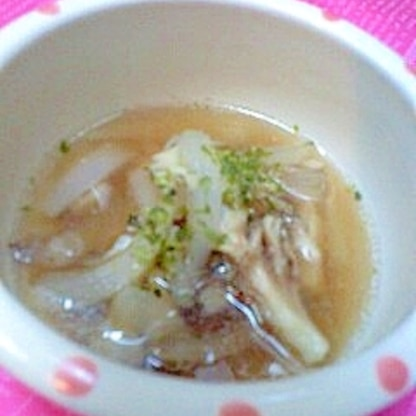 舞茸と玉ねぎの中華スープ