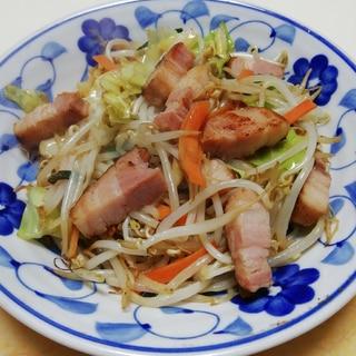 厚切りベーコンと野菜のシンプル炒め