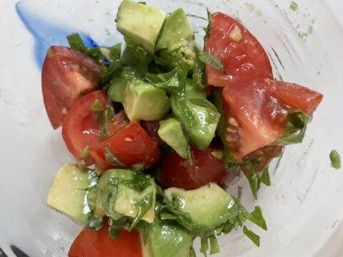塩ごま油が美味しい!アボカドトマト