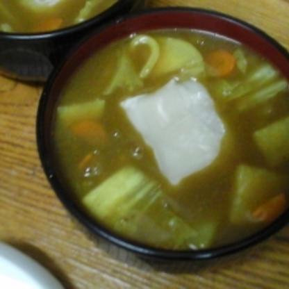 餅入りで、白菜とにんじんで作りました。スパイシーだけどちゃんと和風で美味しかったです。
