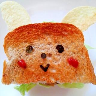 ミニ食パンで ウサギさんサンド