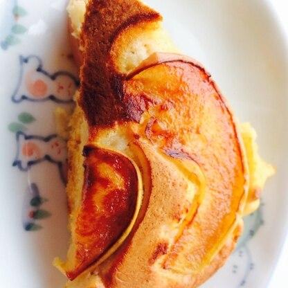 とーっても美味しかったです!(^o^) ふわふわで、シナモン香ってリンゴも甘くて…♪ また作ろうと思います!