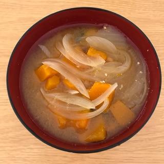 かぼちゃと玉ねぎのお味噌汁