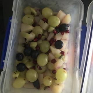 ザクロたっぷりフルーツサラダ