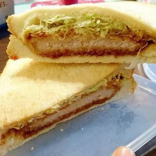 三元豚のロースカツサンド